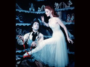 review_redshoes